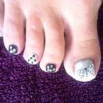 Mani-q toes with nail art